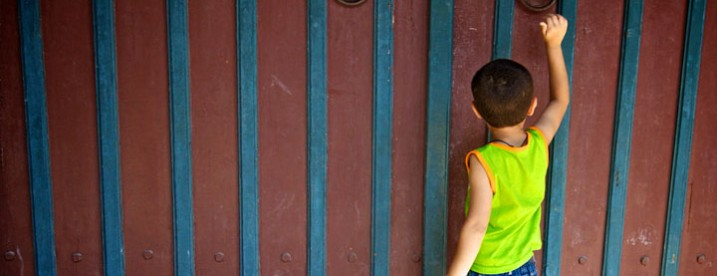 Boy-Door-Knocking-Flickr-CC-BY-NC-SA-20-by-tom_focus-720x380px
