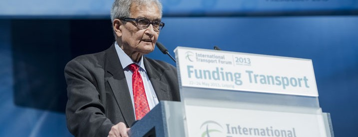 Image: Amartya Sen delivers the keynote speech at the Opening Plenary by International Transport Forum [CC BY-NC-ND 2.0], via Flickr.